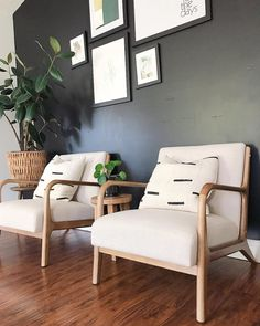 chairs at foot of bed Boho Accent Chair, White Accent Chair, Blue Accent Chairs, Accent Chairs For Living Room, Modern Accent Chairs, Boho Living Room, Living Room Modern, Living Room Decor, Living Rooms