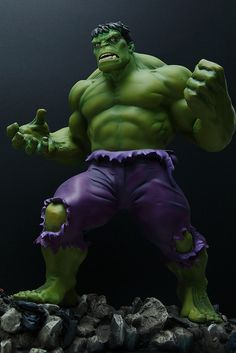 Retro Hulk | Statue | Bowen Designs Marvel Comics