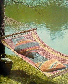 o this is my new summer project!Vintage Crochet Hammock and Pillows Pattern. Diy Swing, Hammock Swing, Hammock Chair, Hammock Ideas, Diy Hammock, Diy Furniture Projects, Easy Diy Projects, Plywood Furniture, Modern Furniture