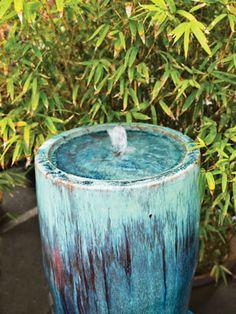 Love this Fountain! Hawaiian Home's teal/turquoise simple yet beautiful water fountain, Love Garden, Garden Water, Water Gardens, Garden Tips, Garden Ideas, Garden Fountains, Outdoor Fountains, Water Fountains, Tarzan Und Jane