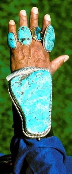 OMG!!!!!!! A fortunes worth of turquoise!! <3 #NativeAmericanJewelry