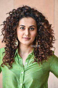 Fashion Poses, Fashion Outfits, Amazon Products List, Taapsee Pannu, Beautiful Actresses, Indian Beauty, Indian Actresses, Bollywood, Beautiful Women