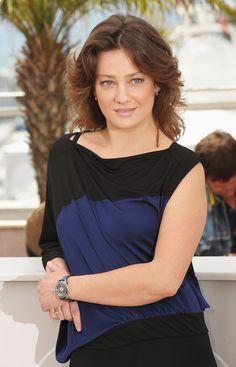 Giovanna Mezzogiorno Medium Wavy Cut