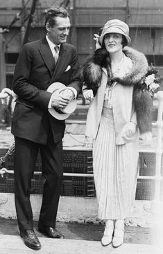 NYC fashion for men and women in the 1920s