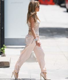 Jennifer Lopez street style ... Love this look