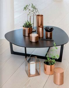Copper decor can take a neutral room from boring to edgy or bland to BAM! Here are our 4 favorite ways to add copper accents to your home. Scandi Living, Home And Living, Copper Living Room Decor, Ikea Regal, Copper Interior, Marble Interior, Deco Design, Design Design, Design Ideas