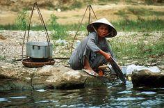 http://paradiseintheworld.com/wp-content/uploads/2012/02/vietnam-people.jpg