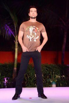 cavalli# fashion show Roberto Cavalli, Fashion Show, Mens Tops, How To Wear, T Shirt, Supreme T Shirt, Tee Shirt, Tee