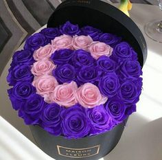 c, pink, and rose image Flower Box Gift, Flower Boxes, My Flower, Million Roses, Flower Letters, Chocolate Bouquet, Diy Bouquet, Green Rose, Purple Roses
