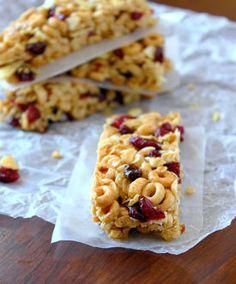 These Cheerio Granola Bars make a great quick breakfast.