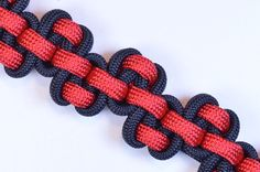 "Bored? Check out this brand new #paracordial from BoredParacord for the ""Serpent River Bar"" Bracelet. What do you think?! Make the ""Serpent River Bar"" Paracord Survival Bracelet - BoredParacord.com #paracord #serpent #river #bar #survival #bracelet #prepper #diy #jewelry #crafting #tying #knotting #weaving"