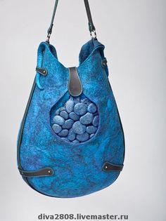 Купить или заказать Сумка ' Капля' в интернет-магазине на Ярмарке Мастеров. Удобная и вместительная сумка , в которой помещается 1000 'самых необходимых ' мелочей) и при этом не смотря на порой совершенно немыслимое количество вещей в неё поместившихся , она , каким-то волшебным образом не становится очень тяжёлой! А волшебство в том , что сумка сама по себе очень лёгкая, не смотря на свои…