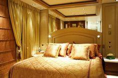 Alysia Super Yacht suite bedroom