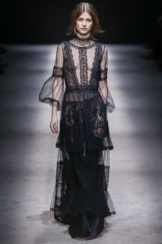 Alberta Ferretti Fall/Winter 2015-2016 Fashion Show