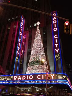 Radio City Music Hall, NYC.