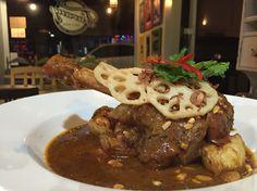 Massamun lamb shank @ Farang cafe & bistro, Kingsland, AUCKLAND, NZ
