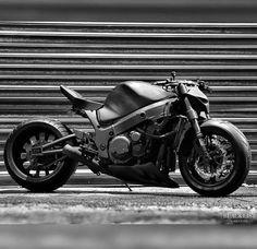 M.A.D. Kuusaa – StreetFighter Crew Finland Street Fighter Motorcycle, Motorcycle Style, Custom Motorcycles, Custom Bikes, Ducati Classic, Estilo Cafe Racer, Motos Retro, Soichiro Honda, Motos Harley Davidson