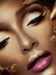 Magnificient white, black, pink and gold make up.