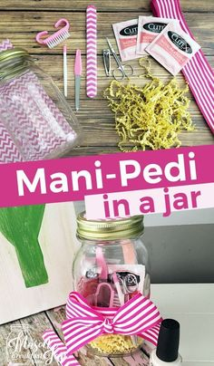 Do you know someone who deserves a day of pampering at the spa? If that's not in your budget, the next best thing is to gift Mason jar presents like this Mani Pedi in a Jar. These DIY Mason jar gifts make easy, inexpensive and thoughtful presents for frie Mason Jar Christmas Gifts, Mason Jar Gifts, Mason Jar Diy, Christmas Presents For Girlfriend, Diy Christmas Presents, Diy Hacks, Mason Jar Breakfast, Spa In A Jar, Thoughtful Gifts For Him