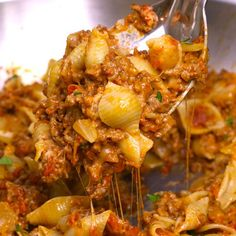 One-pot Cheesy Taco Pasta – One of the easiest quick dinner recipes. It's lo. Einfache Rezepte , One-pot Cheesy Taco Pasta – One of the easiest quick dinner recipes. It's lo. One-pot Cheesy Taco Pasta – One of the easiest quick dinner recipes. Dinner Recipes Easy Quick, Quick Easy Meals, Recipes Dinner, Easy Eat, Quick Food Ideas, Simple Easy Dinner Recipes, Appetizer Recipes, Appetizers, Tasty Videos