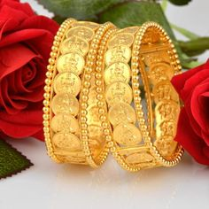 Kids Gold Jewellery, Real Gold Jewelry, Gold Jewelry Simple, Coin Jewelry, Gold Jewellery Design, Bridal Jewelry, India Jewelry, Kerala Jewellery, Jewellery Stand