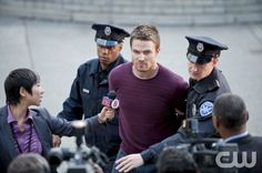 "Arrow -- ""Damaged"" -- Image AR105a_0021b -- Pictured: Stephen Amell as Oliver Queen -- Photo: Cate Cameron/The CW -- ©2012 The CW Network. All Rights Reserved"