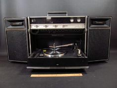 FM-AM Solid State Stereo Radio Phono Model SG-650