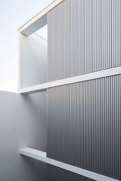 Gallery of ZLA Building / Estudio BaBO - 5