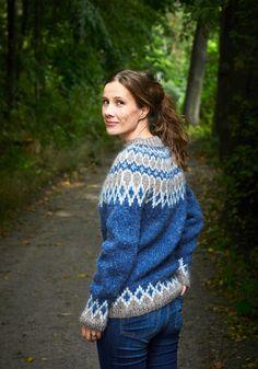 Icelandic Sweaters, Big Knits, Drops Design, Blue Sweaters, Crochet Top, Knitting Patterns, Men Sweater, Wool, How To Wear