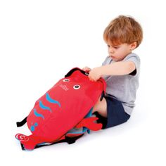 Water resistant backpack -Trunki PaddlePak Lobster, Pinch. Great for little explorers!  #kidsproduct #backpack #gift #Christmas  http://www.babydino.com/trunki-paddlepak-lobster-pinch