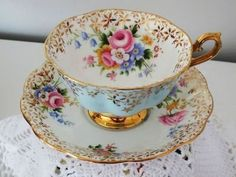 Teacup Cup & Saucer Royal Albert - Golden Star Flowers on Blue Floral ~ Tea Cup Set, My Cup Of Tea, Tea Cup Saucer, Tea Sets, Vintage Dishes, Vintage Tea, Vintage Cups, Party Set, Tea Party
