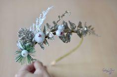 Christmas crown gold ivy pinecone crown Christmas tiara Fairy   #christmascrown #fashion #christmasgifts  #christmas #babycrown #crowns #crownadult #holidaycrown
