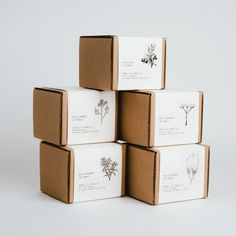 P.F. Candle | Custom Box & Sleeve – Norman's Printery Packaging Carton, Kraft Box Packaging, Candle Packaging, Candle Labels, Tea Packaging, Simple Packaging, Packaging Ideas, Sleeve Packaging, Candle Branding
