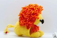 Lion in for a friend of mine. It is a key holder. :D ---- Porte-clé lion en amigurumi pour une amie. Crochet Lion, Crochet Hats, Mixed Media Artists, Fantasy Art, Key, Crafts, Inspiration, Amigurumi, Porte Clef