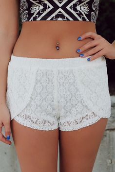 Be the Lookout Shorts - Ivory