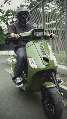 Vespa Motorcycle, Scooter Bike, Motorcycle Types, Vespa Scooters, Motorcycle Design, New Vespa, Vespa Lx, Piaggio Vespa, Vespa Excel