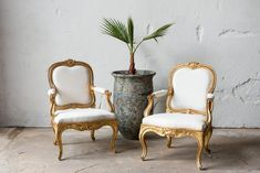 neorokokó székek Wingback Chair, Accent Chairs, Shabby Chic, Furniture, Vintage, Home Decor, Diy, Antique Furniture, Upholstered Chairs