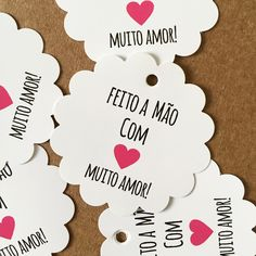 Tag Florzinha Feito a mão com muito AMOR Cute Crafts, Diy And Crafts, Arts And Crafts, Pencil And Paper, Handmade Crafts, Mini Albums, Gift Tags, Clip Art, Place Card Holders