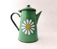 vintage green enamel coffee pot | by artma vintage #housewares #vintage