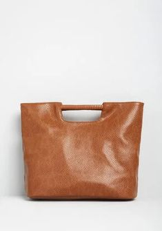 Be hands free from morning till night with our unique and trendy assortment of women's bags! Shop our favorite colors and silhouettes at ModCloth today! New Arrival Dress, Vintage Purses, Cute Bags, Beautiful Bags, Baggage, Modcloth, Unique Vintage, Favorite Color, Madewell