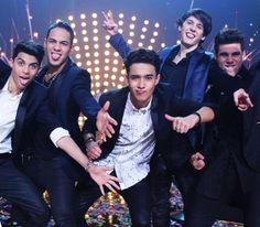 Nace la banda CNCO   El Nuevo Día Twenty One Pilots, Pretty People, Beautiful People, A Gomez, Cnco Richard, Am I In Love, Real Man, Boy Bands, Famous People