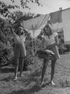 1940to1949:  Just hanging some laundry forties style.