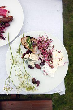 Picnicking On Iceland's Ruggedly Beautiful Videy Island - Condé Nast Traveler