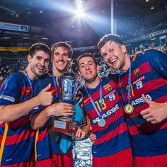 "Four guys shining: Eduardo Gurbindo, Viran Morros, Aitor Ariño and Kamil Syprzak from FC Barcelona celebrate their victory at the ""Unser Norden""-Cup in Kiel, Germany. @gurbinsson @viranmorros @aitorarino13 @fcbseccions  saschaklahn.com #fcbarcelona #barca #handball #balonmano #sports #unsernordencup #eduardogurbindo #viranmorros #aitorarino #kamilsyprzak #saschaklahn"