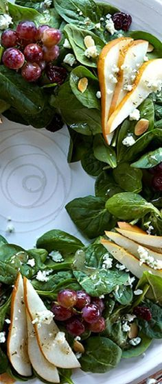 Healthy holiday salad wreath for the whole family.