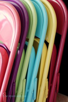 spray paint folding chairs