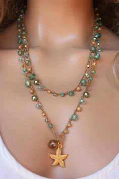 If you want to buy or collect vintage costume jewelry, learn what to look for and where to look. There is something for who is interested in vintage jewelry. Crochet Beaded Necklace, Bead Crochet, Beaded Jewelry, Custom Jewelry, Vintage Jewelry, Handmade Jewelry, Bijoux Diy, Toe Rings, Photo Jewelry