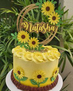 Sunflower Birthday Cakes, Fruit Birthday Cake, Sunflower Party, Sunflower Cakes, Homemade Birthday Cakes, Cake Icing, Buttercream Cake, Single Tier Cake, Birthday Cake Decorating