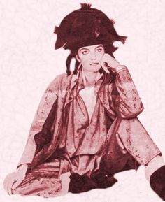 Picture of a model wearing a pirate outfit. New romantics fashion history 1980s.