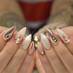 Gold and nude acrylic nails nail art manicure gold nails acrylic nails glitter nails nail ideas nail designs nail pictures Stiletto Nail Art, Nude Nails, Glitter Nails, Acrylic Nails, Gold Glitter, Pink Nails, Hot Nails, Hair And Nails, Gorgeous Nails